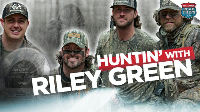 Hunting Riley Green's Farm | HeadHunt...