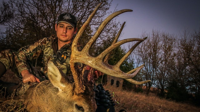 S2E16: 160″ Buck from Bale Blind, Kansas Bowhunting