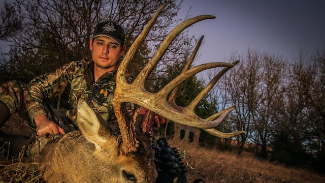 S2E16: 160″ Buck from Bale Blind, Kan...