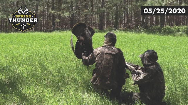 Midday Gobbling Madness | Turkey Sneaks in from Behind | Realtree Spring Thunder