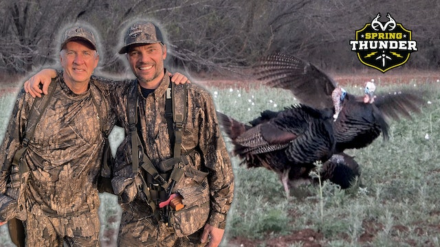 The Texas Turkey Two Step | Bully Gobblers Attack the Decoy | Spring Thunder