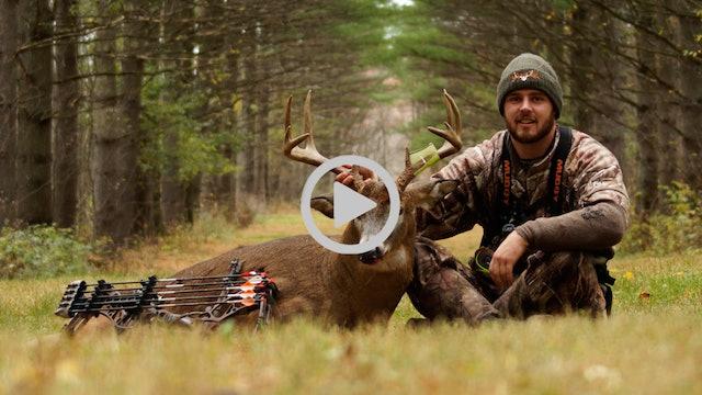S1E8: 220″ Buck Encounter, Trail Camera Scouting