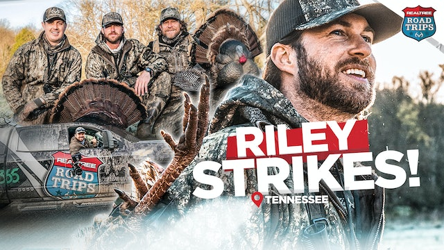 Country Concerts and Gobbling Turkeys | Riley Green Plays | Realtree Road Trips