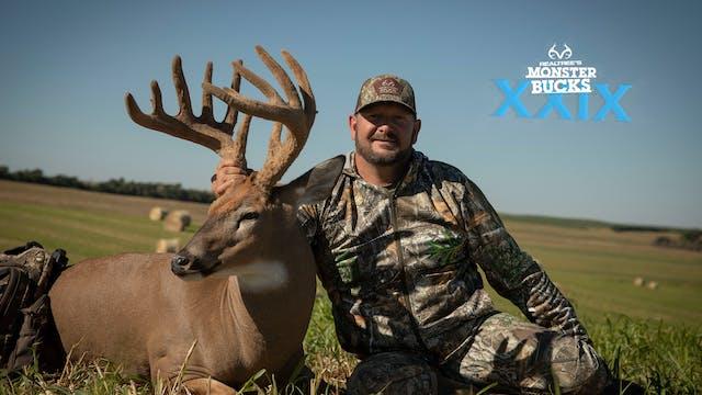 Larry McCoy's Velvet Nebraska Buck wi...