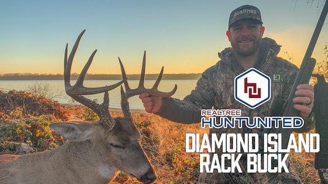A Big Diamond Island Rack Buck | Deer Hunting on the State Line | Hunt United
