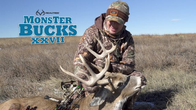 Tyler Jordan Hunts A Monster Buck in ...
