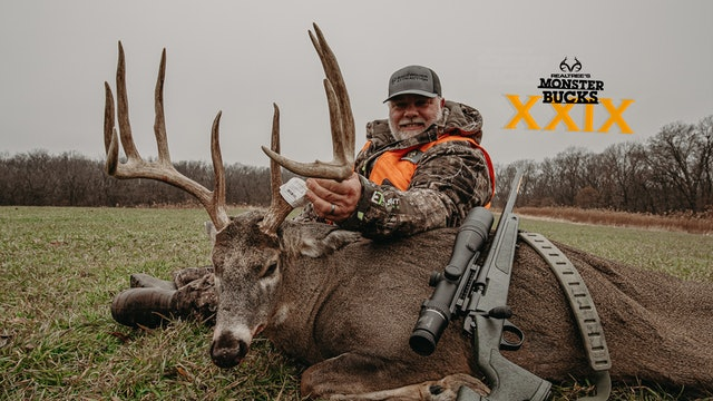 Keith Burgess' Black Powder Iowa Buck | Monster Bucks 2021