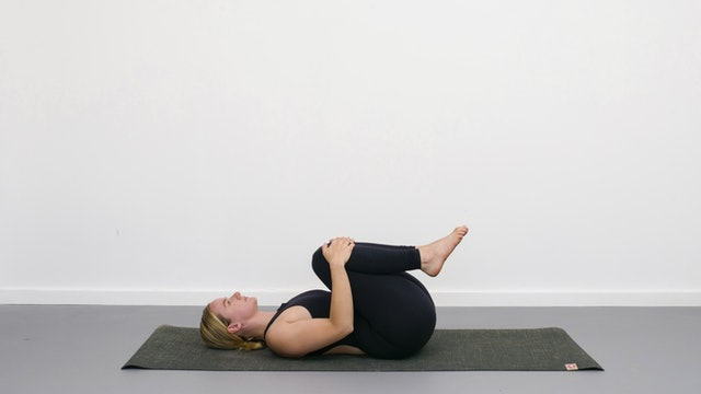 Wind relieving pose - Yogipedia