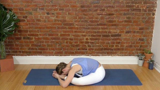 Evening Yoga Flow : 22 Min.