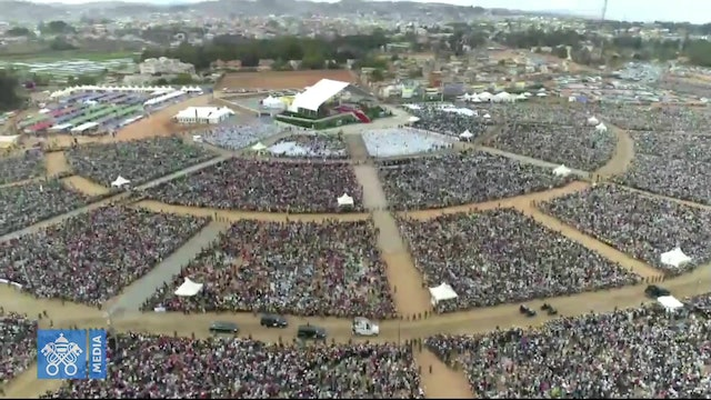 Pope celebrates Mass in Madagascar: Let's not stand idly by evil