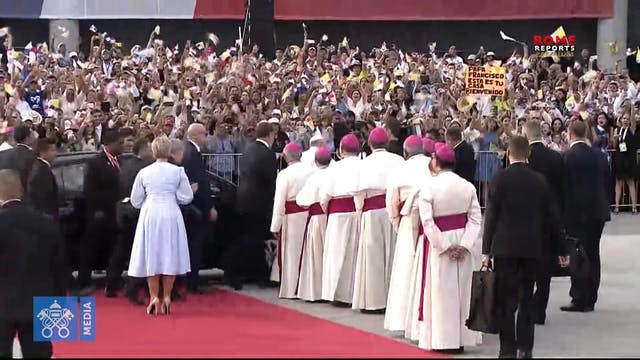 Pope Francis arrives in Panama!