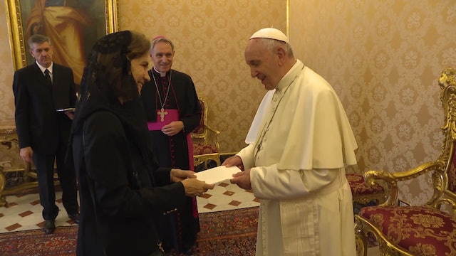 New French ambassador presents her credentials to pope