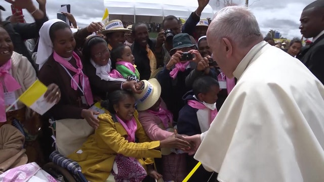 Best images of Pope Francis in Africa
