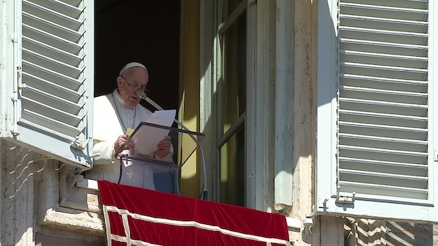 Pope in Angelus: Pray for victims of the attacks in Nigeria and Mali
