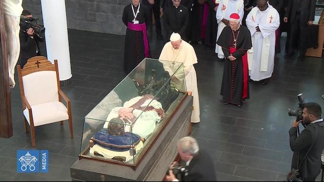 "Pope Francis prays before the tomb of the ""Apostle of Mauritius"""