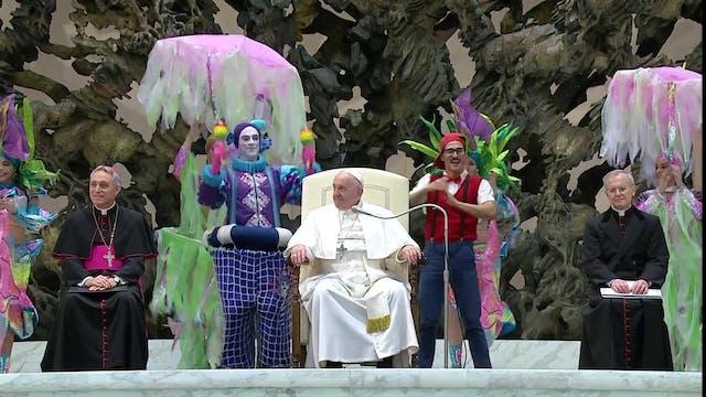 Pope participates in circus act durin...