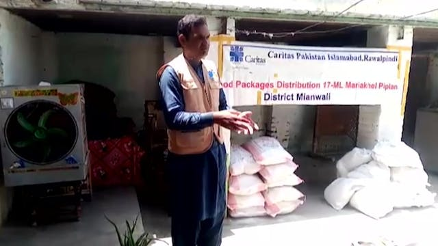Caritas Pakistan distributes food and...