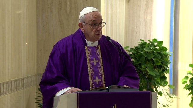 Pope in Santa Marta: complaining allows the devil to do his work
