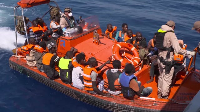 52 migrants spend four days on livest...