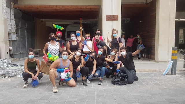 Latino migrants join Lebanese to clean streets of Beirut