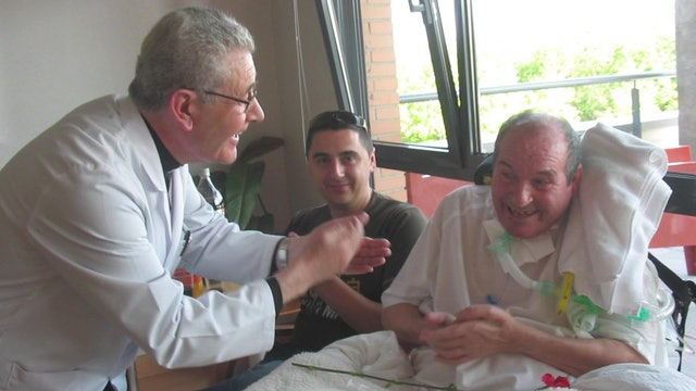 Hospital adapts structure so relatives of COVID-19 patients can visit