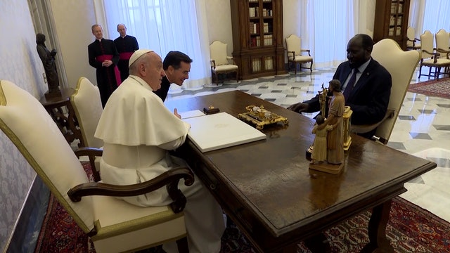 Pope brings responsible for South Sudanese war to Vatican to pray for peace
