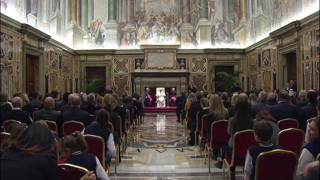 Pope thanks Christmas concert artists...