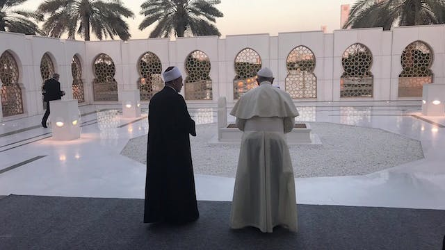 Pope meets at spectacular Sheikh Zaye...