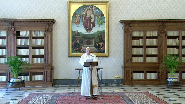 Pope Francis gives two remedies to combat anxiety in Regina Coeli