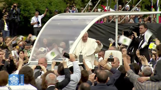 Best images of Pope Francis in Bulgar...