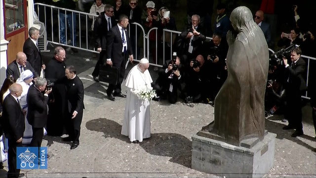 Pope visits Memorial in honor of Mother Teresa of Calcutta