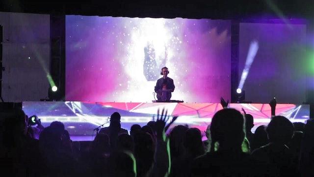Gabriel Eshel, the DJ mixing electronic music with Catholic themes