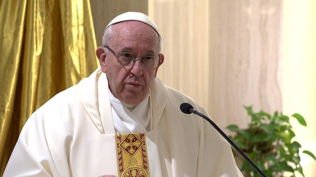 Pope in Santa Marta: Only faith will give us the strength to love and not hate