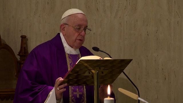 Papa en Santa Marta: Rezad al Señor con valor, no como los tibios