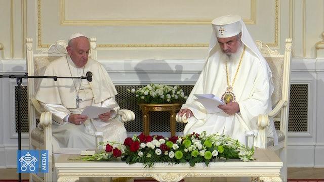 Patriarca ortodoxo Daniel recibe con gran cordialidad al Papa, a pesar de cuesti