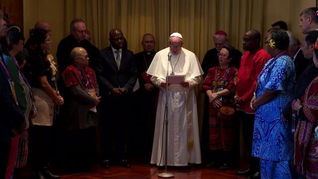 Pope Francis with indigenous in FAO: ...