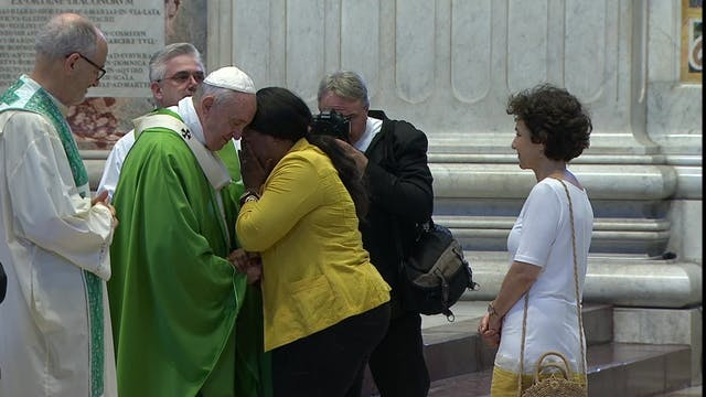 Pope in Mass with migrants and refugees
