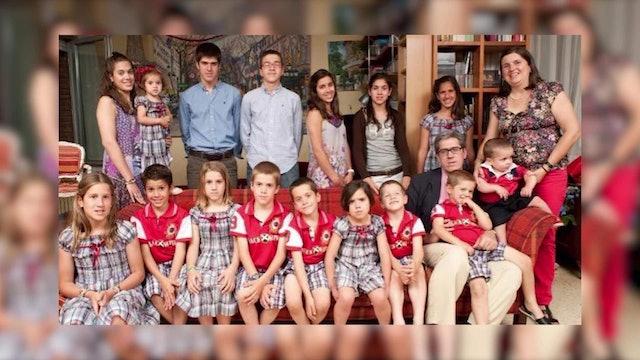 Publican libro sobre Chema Postigo, el padre de 18 hijos que conmovió al mundo