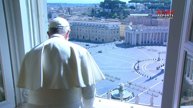 Pope Francis blesses a deserted Rome ...