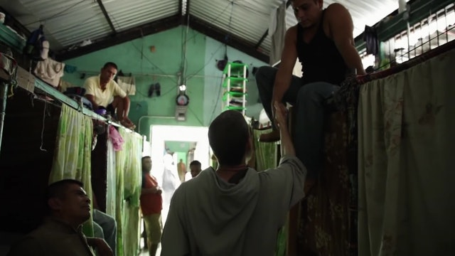 Triunfa documental de frailes ayudando a personas en situaciones límite