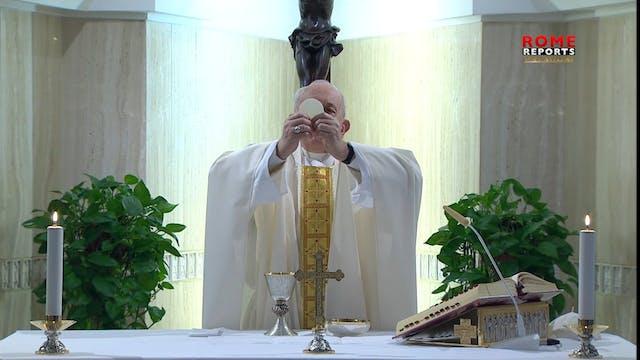 Pope at Santa Marta: living faith wit...