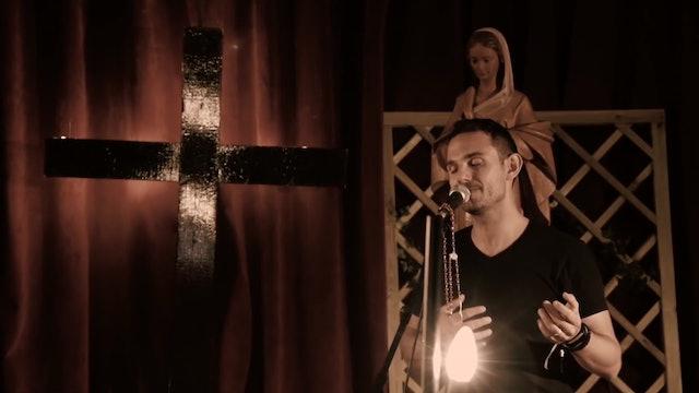 """La Voz del Desierto lanza tierno videoclip con versión acústica de """"Magnificat"""""""