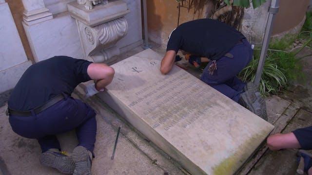 Las tumbas abiertas en el Vaticano es...