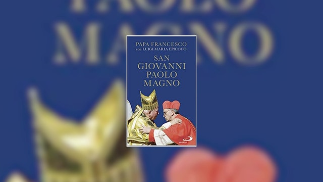 Francisco escribe un libro sobre Juan Pablo II
