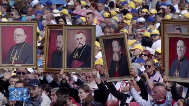 Francisco beatificó en Rumanía a 7 obispos mártires de la persecución