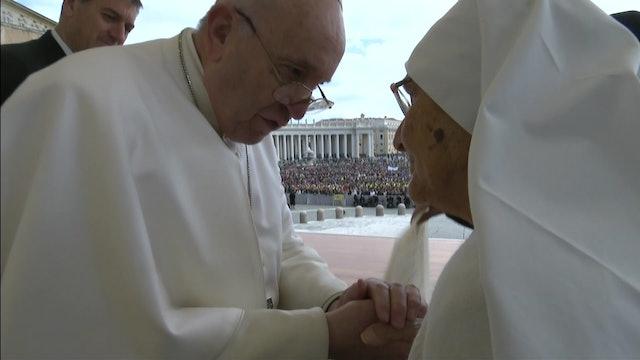 La historia de la monja matrona que ha sido premiada por el Papa