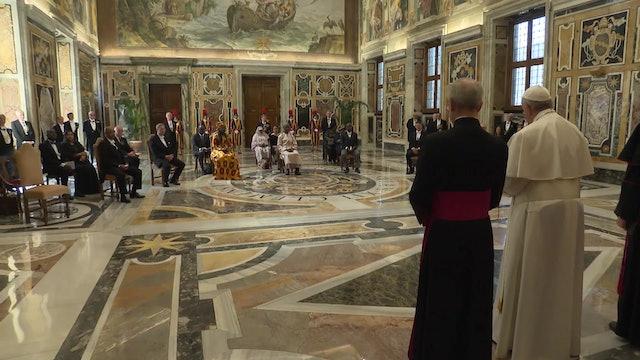 Papa a nuevos embajadores: La cultura de la fraternidad reduciría los problemas