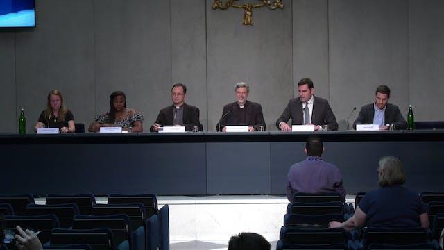 Vaticano convoca reunión mundial de j...