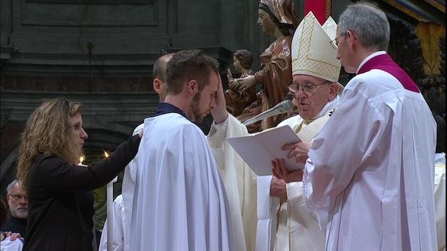 Francisco bautizará a 8 personas en la Vigilia Pascual