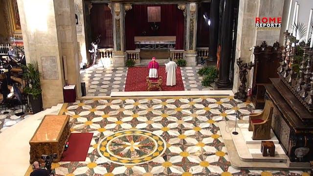 Holy Shroud exposed on Holy Saturday